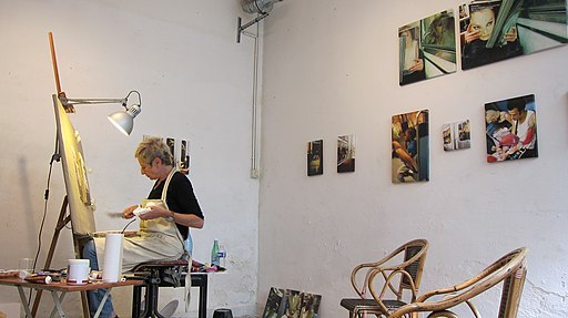 The artist, Mili Presman, working in her Paris studio at La Forge de Belleville. Photo: Olybrius via Wikimedia commons