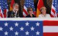 Lastovka-L.Bush-Merkel.jpg