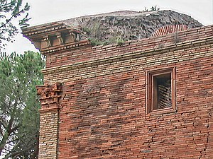 Roman brick - A tomb on the Appian Way in Rome with Roman brickwork in opus latericium.
