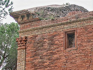 Opus latericium An ancient Roman form of construction in which coarse-laid brickwork is used to face a core of opus caementicium