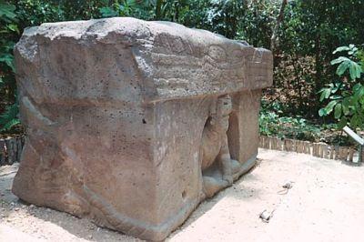 Obras - Monumentos de la Cultura Precolombina (Imágenes) 400px-Laventaniche