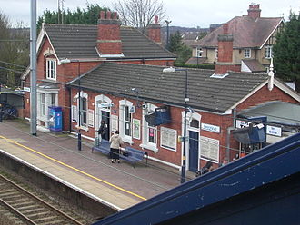 Leagrave - Main station building on Platform 4 at Leagrave