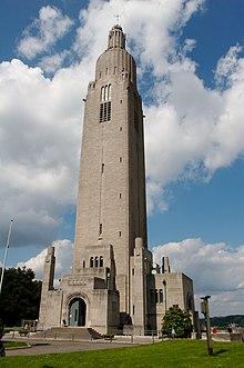 Det sammenslåtte minnetårnet - Cointe Hill, Liège, Belgia