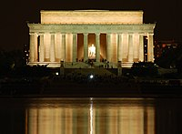 Lincoln Memorial by night.jpg