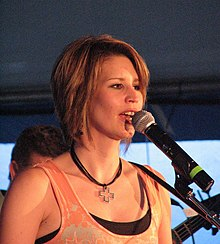 Lisa Brokop performing at the 2006 Blue Mountain music festival