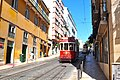 Lisbon, Portugal (Sharon Hahn Darlin) elétrico vermelho, casa amarela.jpg