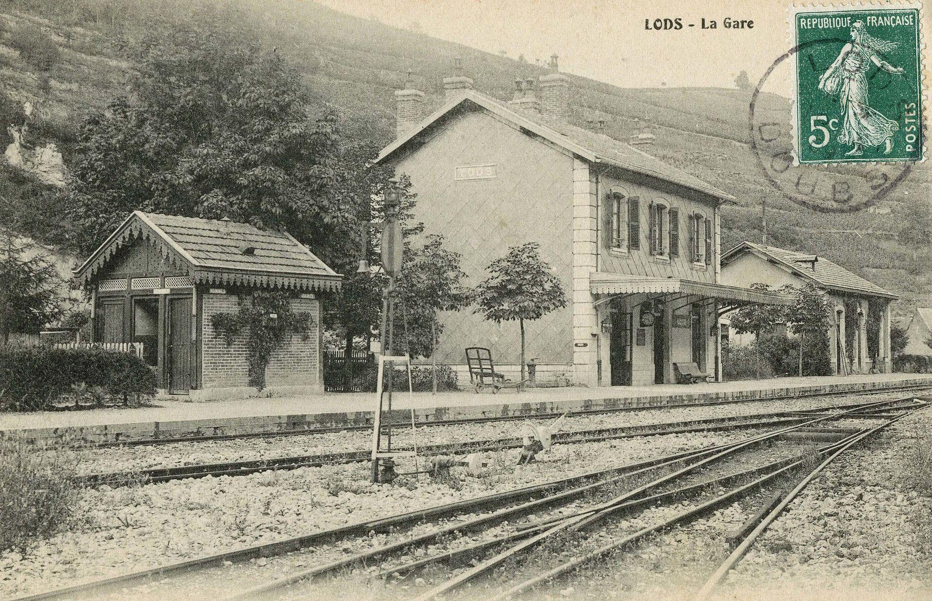 1920px-Lods_Doubs_la_Gare.jpg
