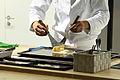 Luftiger Dashimaki Zubereitung auf der IFA Berlin 2012 PD 5.JPG