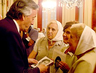Mothers of the Plaza de Mayo - The mothers with President Néstor Kirchner