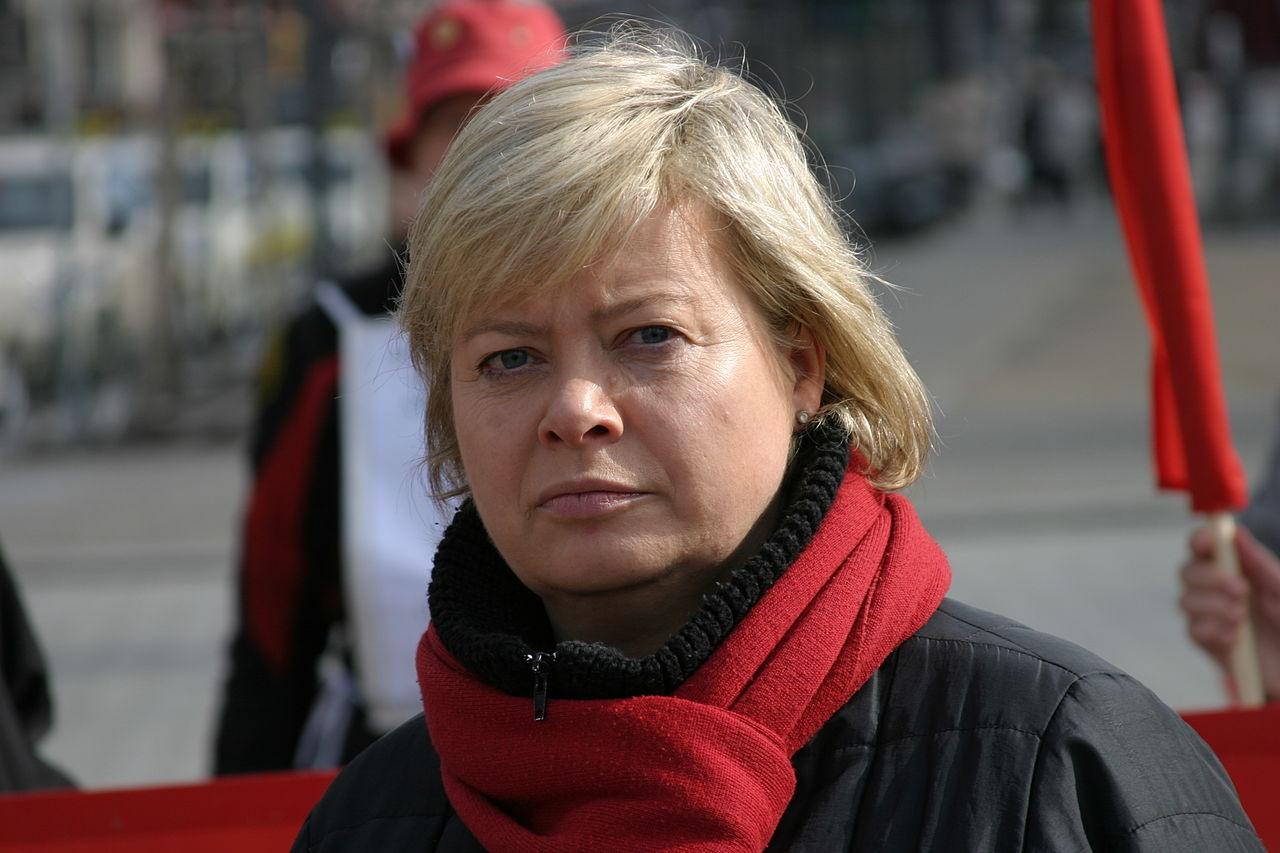 Gesine Lötzsch, en 2011.