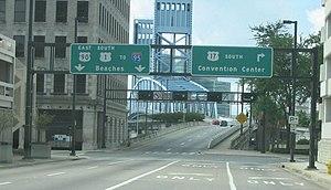 Main Street Bridge (Jacksonville) - Image: Main Street Bridge Jacksonville southbound approach