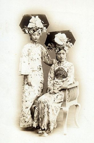 Manchu people - Women of the Manchu Nobility, 1900s