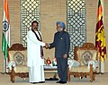 Manmohan Singh meeting the President of the Democratic Socialist Republic of Sri Lanka, Mr. Mahinda Rajapaksa.jpg