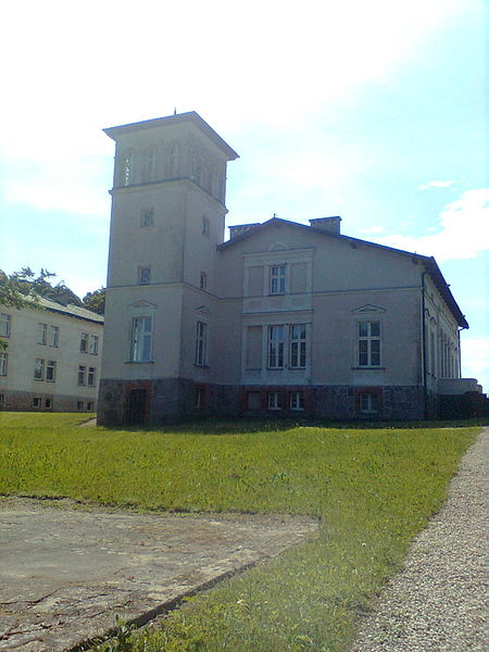 Plik:Manor in Starbienino.jpg