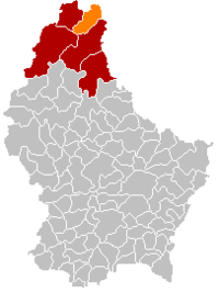 Map of Luxembourg with Weiswampach highlighted in orange, the district in dark grey, and the canton in dark red