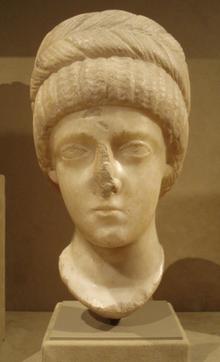 Popiersie z marmuru, IV wiek, prawdopodobnie Flaccilla.png