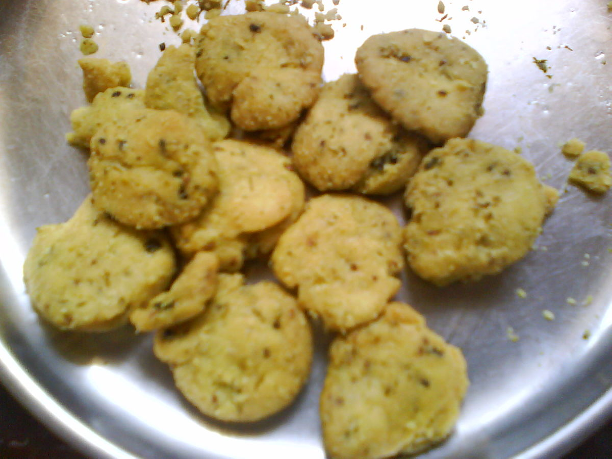 how to make mathri in hindi