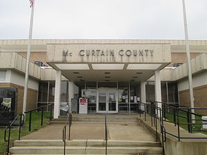 McCurtain County, Oklahoma - Image: Mc Curtain County, OK, Courthouse in Idabel IMG 8498