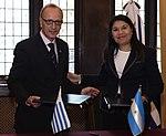 Memorándum de entendimiento Argentina-Uruguay en materia de cooperación antártica 02.jpg