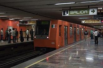 Metro Etiopía / Plaza de la Transparencia - Image: Metro Etiopía platforms