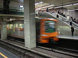 Louise/Louiza metro station - Image: Metro train leaving Louise Louiza Brussels