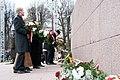 Ministru prezidents Valdis Dombrovskis piedalās ziedu nolikšanas ceremonijā pie Brīvības pieminekļa (6357980061).jpg