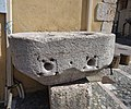 Mont-Dauphin, Mesure banale de grains, en pierre 02.jpg
