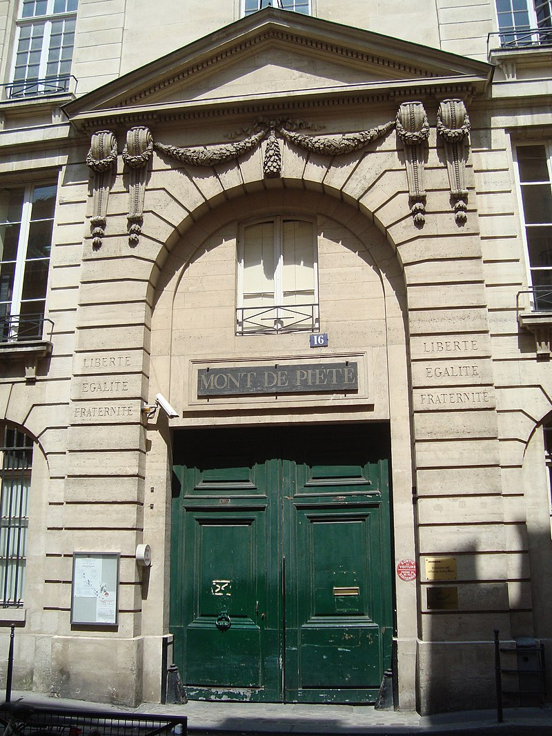 https://upload.wikimedia.org/wikipedia/commons/thumb/f/f2/Mont_de_Pi%C3%A9t%C3%A9_de_Paris.JPG/800px-Mont_de_Pi%C3%A9t%C3%A9_de_Paris.JPG