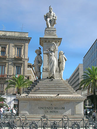 Catania - Catania: Stesichorus Square and Bellini's Monument (Piazza Stesicoro – Monumento a Vincenzo Bellini)