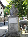 Monumento al General Longa en Bolibar.JPG