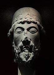 Tête de statue-colonne: un prophète