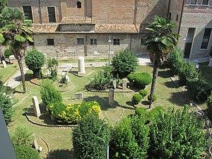 Museo della città di Rimini, cortile 02