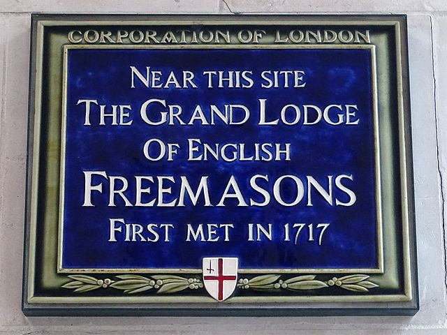 Grand Lodge of English Freemasons blue plaque - Near this site The Grand Lodge of English Freemasons first met in 1717