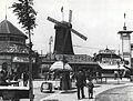 Nicolae Ionescu - Moşilor Fair in 1929. Entrance Kiosks.jpg