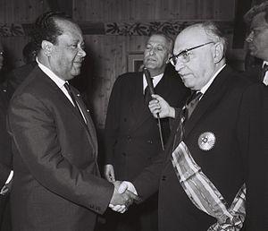 Order of Mono - Nicolas Grunitzky decorating Zalman Shazar 1964