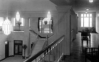 Toronto Coach Terminal - The north mezzanine of the terminal building shortly after opening in 1931.