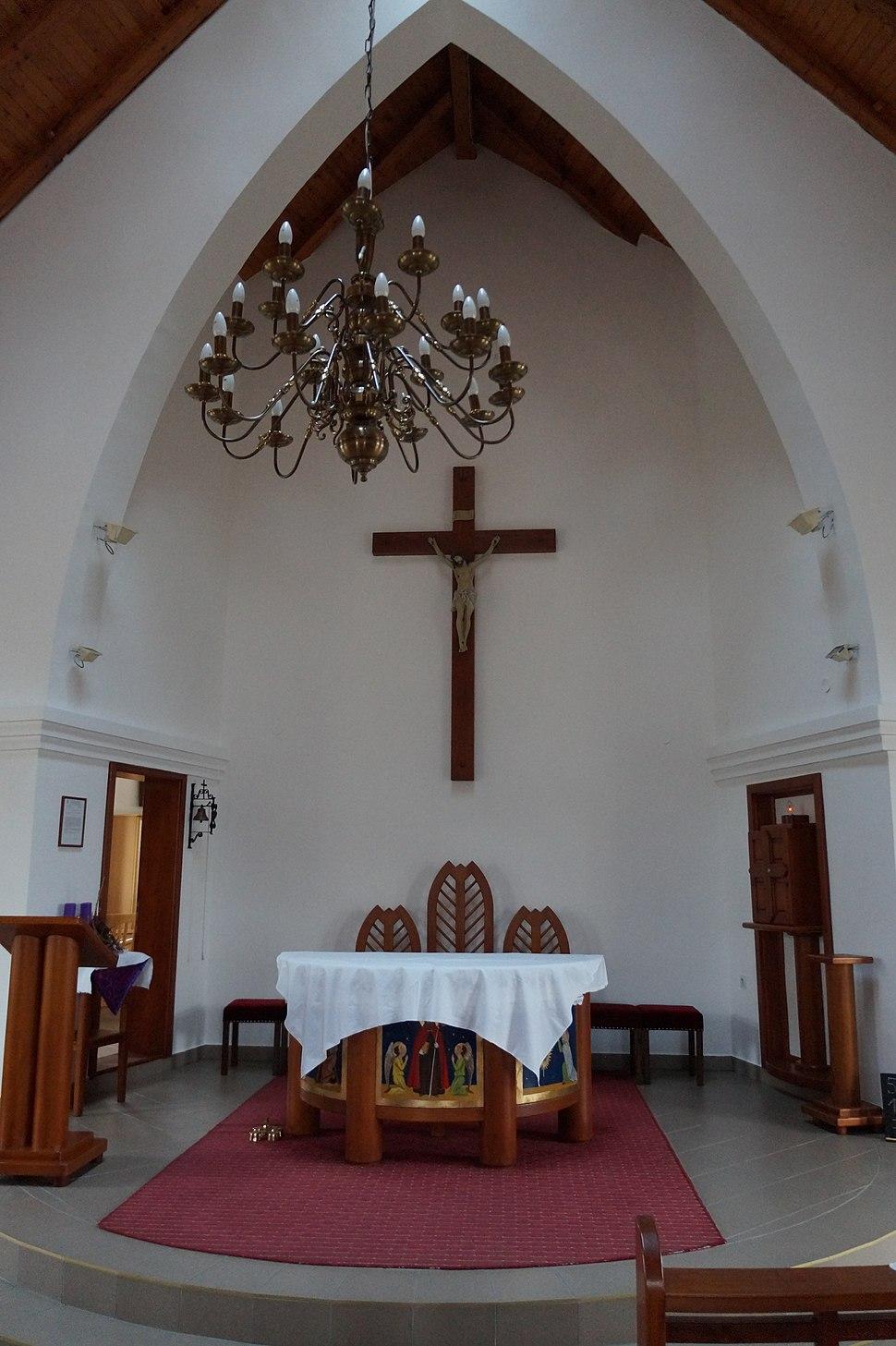 Nosza templom, oltár