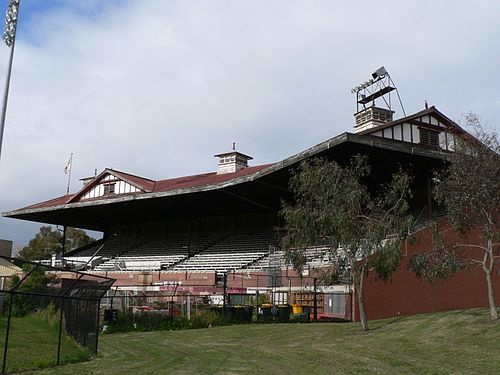 Old Lake Oval grandstand, adjacent to today's Lakeside Stadium Old lake oval grandstand.jpg