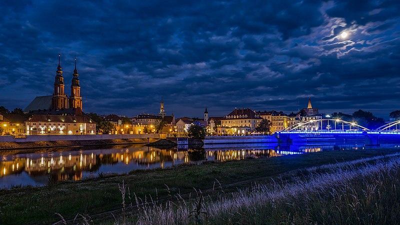 File:Opole - widok na Stare Miasto znad Odry.jpg