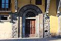 Palazzo Borghini, ext. stemma 05 portale.JPG