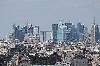 Paris La Défense seen from Tour Saint Jacques 2013-08.JPG