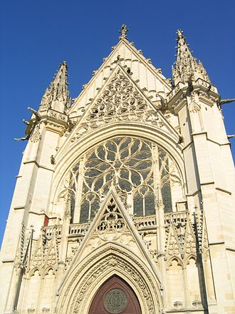 Sainte-Chapelle de Vincennes - Image: Paris Sainte Chapelle du Chateau de Vincennes ancienne demeure royale Vers le Bois de Vincennes en France angle 3