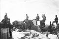Patrouille auf den Trümmern der zerstörten Theodulhütte - CH-BAR - 3236971.tif