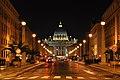 Petersdom bei Nacht Via della Conciliazione in Rome.jpg