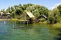 Pfahlbauten Bodensee -- Experimentalhäuser 'Hornstaadhaus und Arbonhaus' (7644142316).jpg