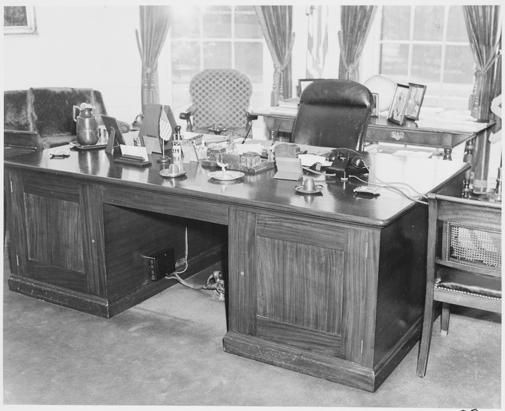 File Photograph Of President Truman 39 S Desk In The Oval