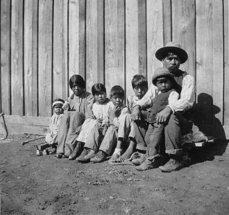 Yokuts - A Chuckachancy family near Oakhurst, California. ca.1920