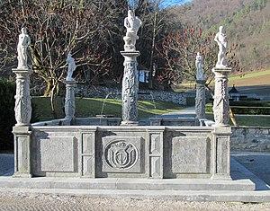 Polhov Gradec - Image: Polhov Gradec Manor Slovenia Neptune Fountain