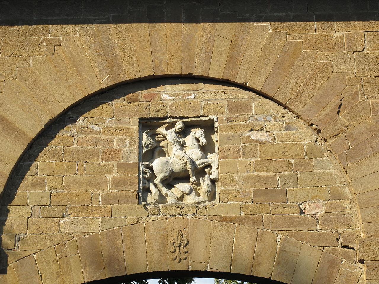 Firenze, esterno Porta San Giorgio, il bassorilievo