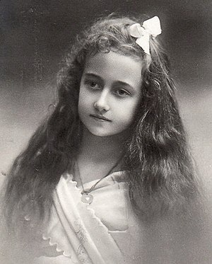 Princess Antonia of Luxembourg - Princess Antonia at the age of 10 (Atelier Elvira, Munich 1910)